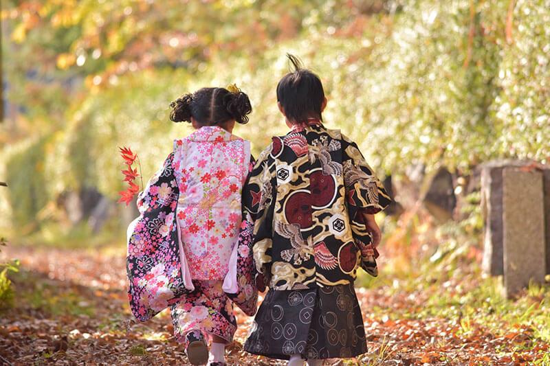 七五三のお参りは10月下旬から11月下旬頃の土日祝日が一般的 ~七五三の最適な時期や年齢~